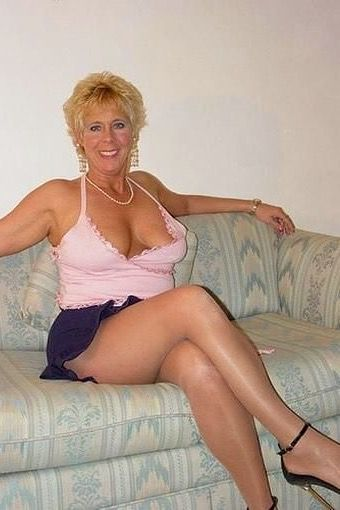 Upskirt beautiful mature women
