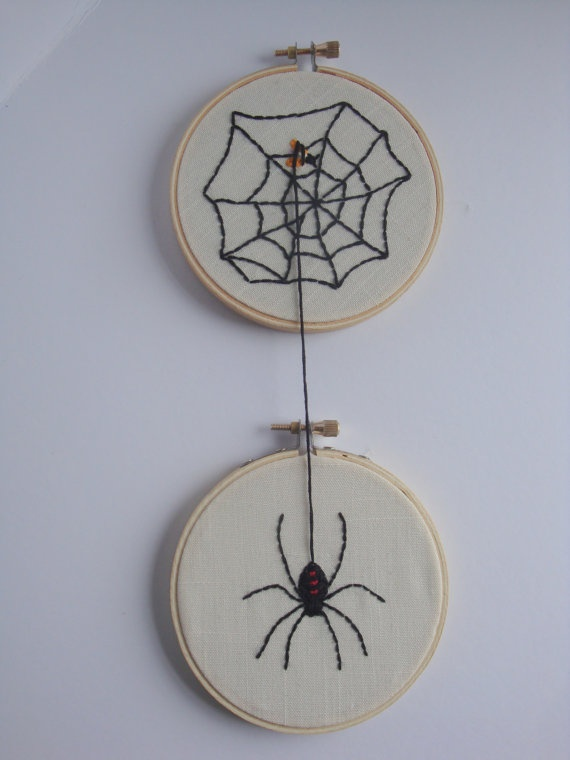 벽디스플레이-나무원판에 거미컨셉