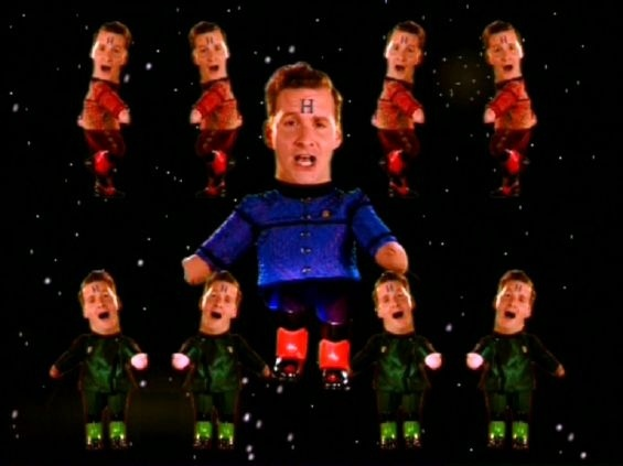 Red Dwarf S7 E5... Hilarious! I laughed so hard I cried.  Made me giggle randomly through the day too :)