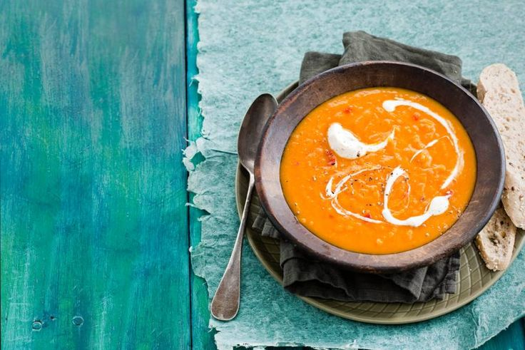 30 september - Pompoen in de bonus - Romige soep met lekker veel pit door de rode peper. Om het warm van te krijgen - Recept - Allerhande