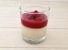Panna cotta met frambozen coulis | Het lekkerste recept vind je op Alles Over Italiaans Eten