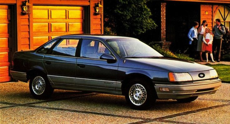Ford Taurus (1986).