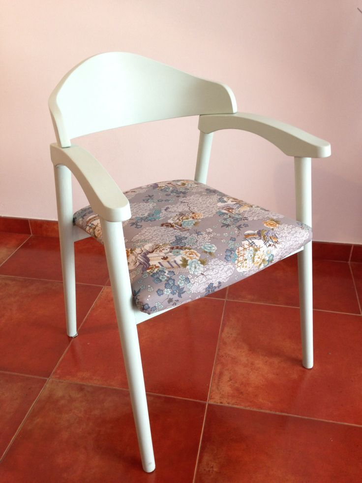 Silla reciclada de madera blanca y tapizado azul chill n - Tapizado de silla ...
