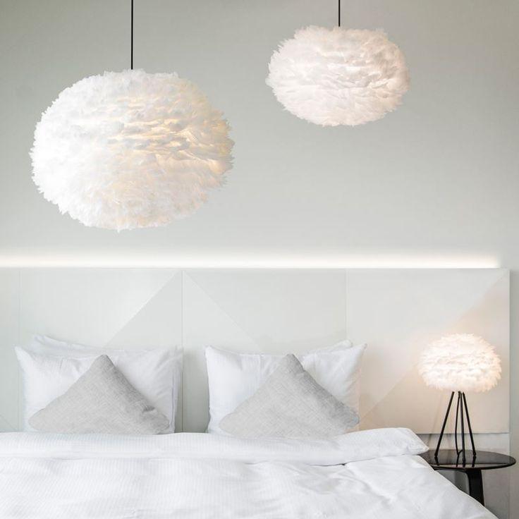 Eos fjäderlampa är en vacker taklampa och XL modellen som denna är 75cm i diamter och 45cm hög. https://buff.ly/2fMopYa?utm_content=buffer3ce0c&utm_medium=social&utm_source=pinterest.com&utm_campaign=buffer