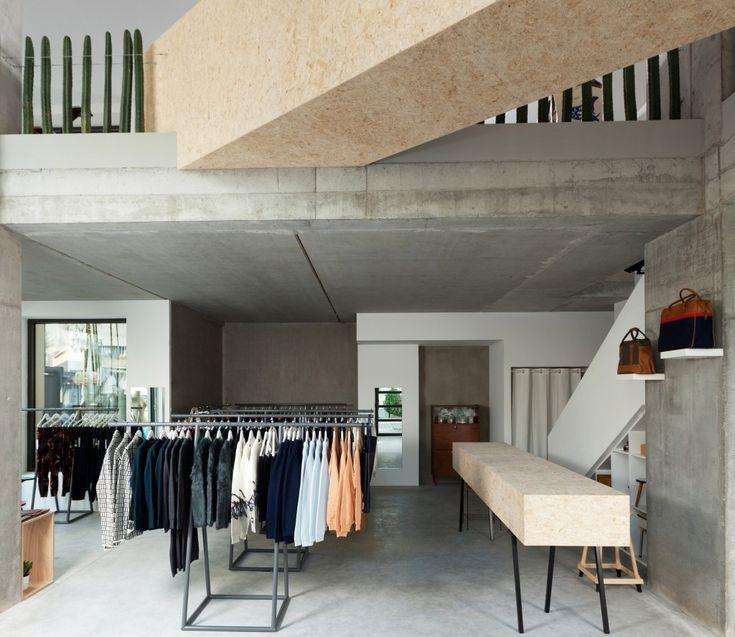 De Dansaertwijk is alweer een interessant adresje rijker: Siblings Factory. Een plaats waar mode voor hem en haar, kunst en design elkaar on...