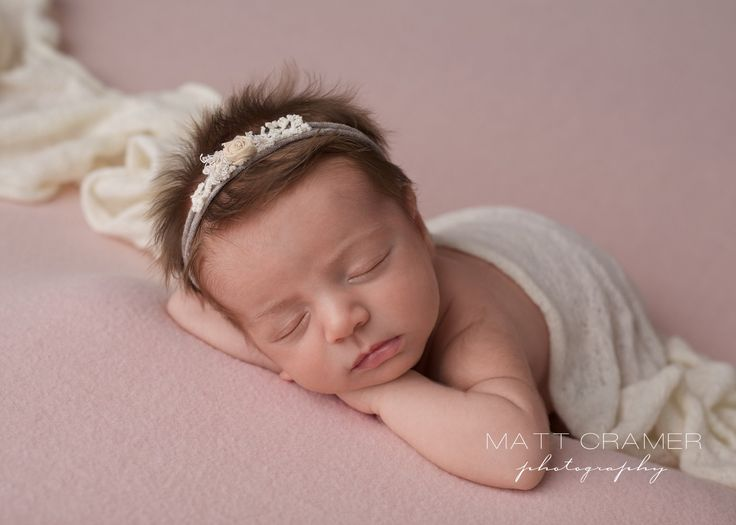 Los angeles newborn photographer baby photographer matt cramer photography organic newborn posing newborn pictures newborn photography poses props