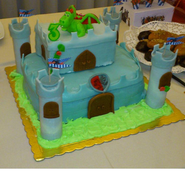 τούρτα κάστρο με δράκο cake castle with dragon