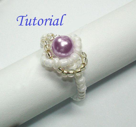 In deze tutorial leert u hoe maak je een gecoördineerde reeks beaded jewelry - infinity armband en ring, met parels, montees en zaad kralen omwonden. Beading is gemakkelijk gemaakt met deze stapsgewijze instructies en volledige kleur illustraties.  Prachtig ligt in het midden van de oneindigheid gevlochten ring, die lijkt op de knoop van de liefde in het gevlochten effect, is een mooie 6mm parel terwijl zijn tegenhanger infinity armband, betoverende in het hebben van de snaren van Rocailles…