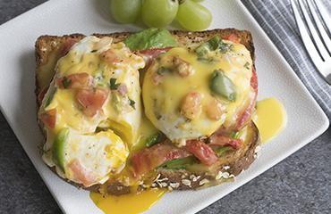 Oroweat Red Pepper & Avocado Eggs Benedict Recipe