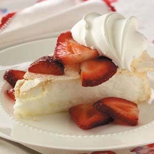 Strawberry Schaum Torte: Baked meringue with sliced strawberries ...