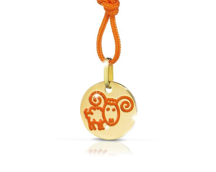 Collezione Zodiaco - Pendente oro giallo ariete in smalto arancione cordino arancione Diam. 12 mm.
