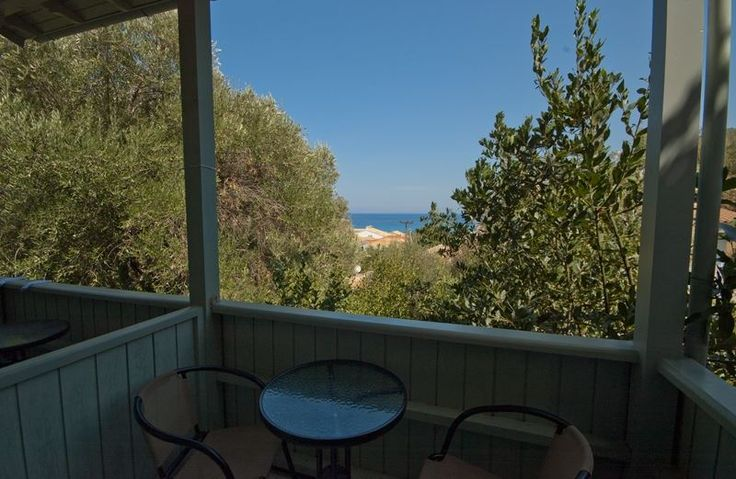 Hotel Nefeli in the heart of Aghios Nikitas
