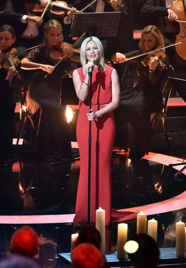 """Helene Fischer performt bei """"Die schönsten Weihnachts-Hits"""" Carmen Nebel München"""