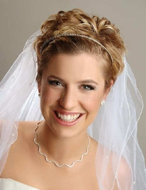 menyasszonyi fátyol - fátyol rövid esküvői frizurához