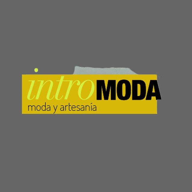 https://flic.kr/s/aHskzJdhDY | introModa 2016 | 11 de Mayo de 2016/Sala de Usos Múltiples/EASD Burgos/ Pedro Mansilla//Sociólogo, periodista y crítico de moda.  10:30-11:00 Artesanía en respuesta a la moda de masas Enrique Loewe//Presidente de Honor de la Fundación LOEWE/  11:00-11:30 Artesanía y Lujo Idoia Costa//Consultora de estrategia internacional especializada en Moda/  12:00-12:30 Artesanía en el mundo digital Pedro Mansilla, Enrique Loewe, Idoia Costa/  12.30-13:45 Mesa redonda