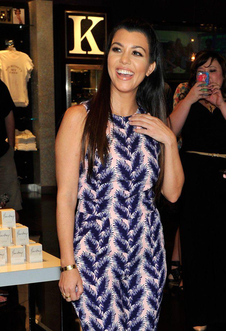 Pin for Later: 15 Célébrités Qui Attendent un Heureux Évènement Kourtney Kardashian Kourtney Kardashian a confirmé qu'elle était enceinte de son troisième enfant lors d'un épisode de Keeping Up With the Kardashians.