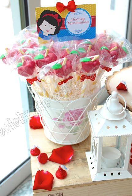 snow white princess dessert table