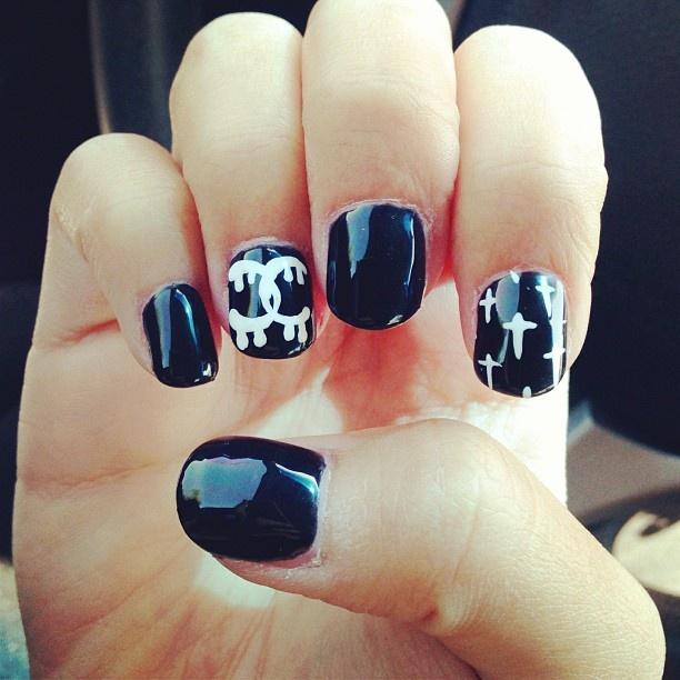 black and white chanel nail art