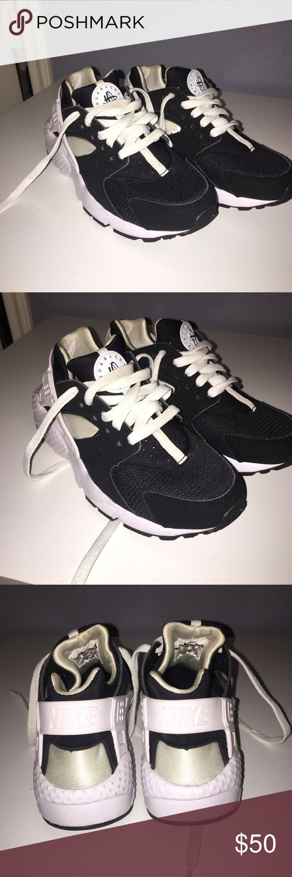 Black & White huarache By nike, worn twice Size 4Y (youth) kids negotiable for both girl and boy Nike Shoes Sneakers