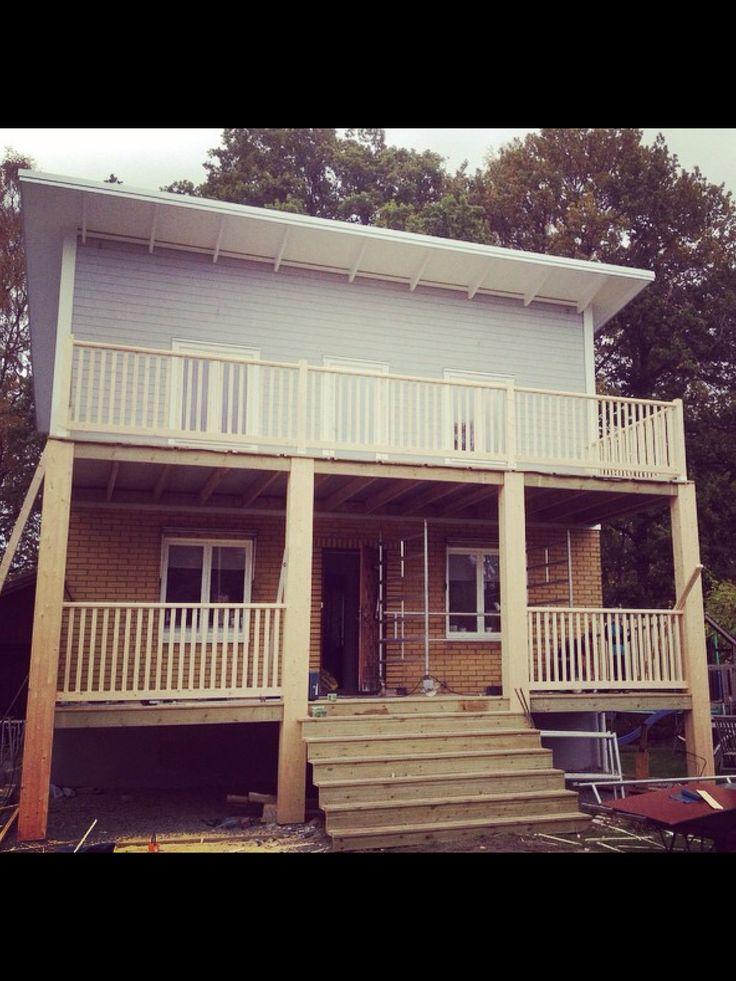 Veranda, balkong, stolpar, räcke Limträbalk