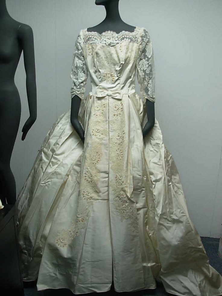 1950s VINTAGE WHITE SILKY SATIN & LACE BEADED WEDDING GOWN + VEIL & HOOP!