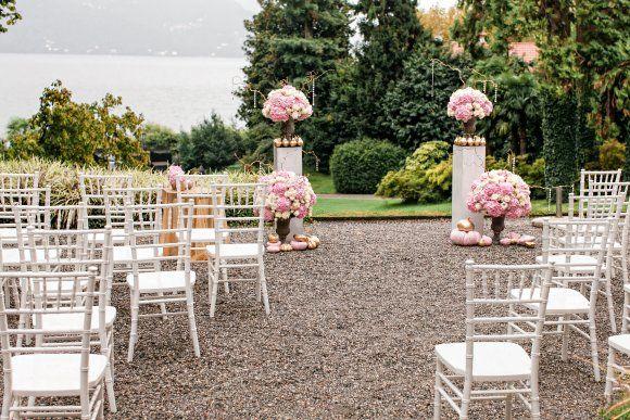 pink and golden wedding ceremony