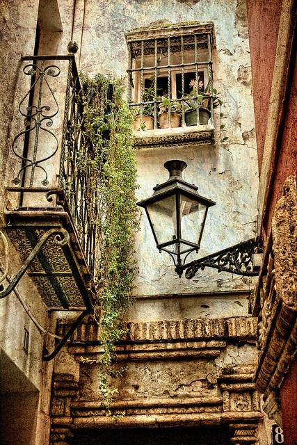 Ven a Sevilla. Come to Sevilla, via Flickr.