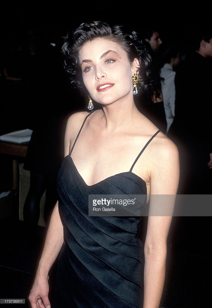 "Sherilyn Fenn at the ""Great Balls Of Fire"" movie premiere in Hollywood 1989"