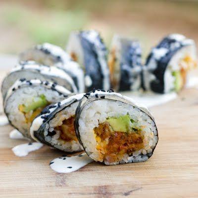 We're experiencing serious sushi cravings today! Especially after stumbling upon this recipe for #vegan Tempura Kimchi Kim Bap with avocado, Daiya, and sesame mayo!