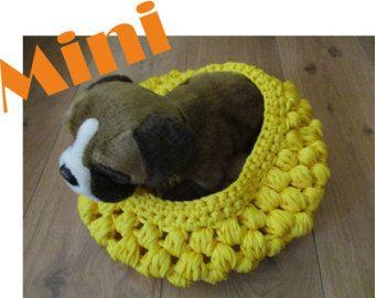 Cama cuna para perro talla mini color amarilla