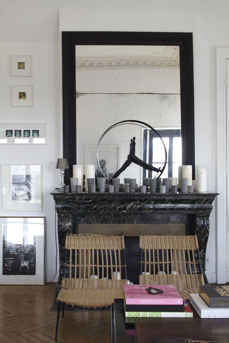 Accumulation de photophores sur une cheminée