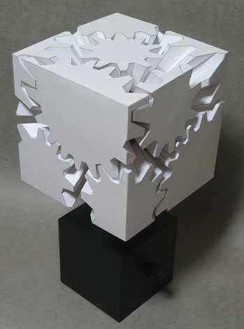 紙で作るカラクリ作品 カミカラ「歯車の立方体-GEARS CUBE」: DesignWorks Archive                                                                                                                                                                                 もっと見る