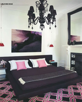 pink & black, H...O...T! Love the colors and furniture and the Chandelier :)