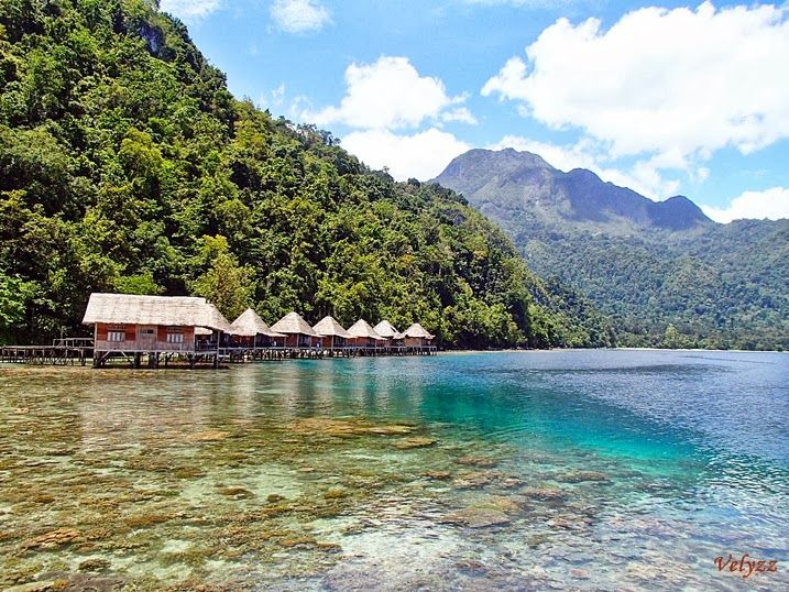 Happy Snorkeling at Ora Beach Resort-Maluku