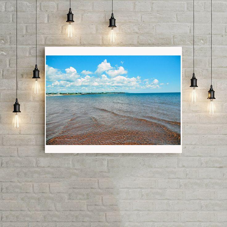 Photographie numérique téléchargement, Gaspésie, île du Prince Edouard, plage sable rouge, mer bleue, ciel bleu, nuage, Majorie de la boutique MajoriePhotography sur Etsy