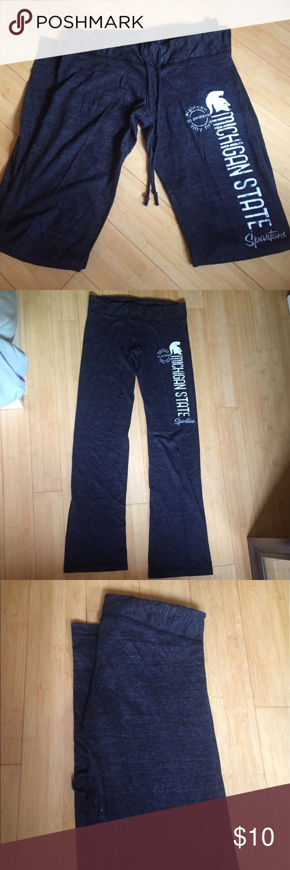 Michigan State yoga pants draw string Michigan State yoga pants size Small, grey in color with white lettering on left leg. Drawstring to adjust size. Comfortable fit, great lounge pants. Willing to negotiate! Pants Track Pants & Joggers