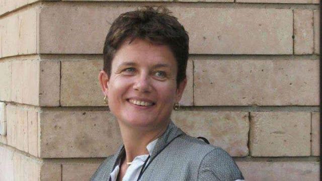 France24 news: Une chercheuse anglaise retrouvée pendue dans les toilettes de l'aéroport d'Istanbul. A British researcher found hanged in the Istanbul airport toilets.