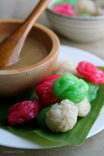 putu mayang - Indonesian traditional snacks, made from rice flour with palm sugar mixed with coconut milk sauce