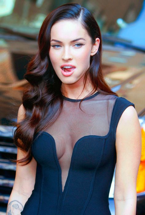 brunette hair: Vintage Waves, Brunettes Hair, Hair Colors, Girls Celebrity, Dark Hair, Megan Foxes, Cars Girls, Loo Waves, Girls Style