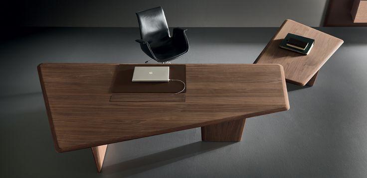 שולחן משרדי למנהלים Premiere מאת Martex, מעצב Lievore Altherr Molina