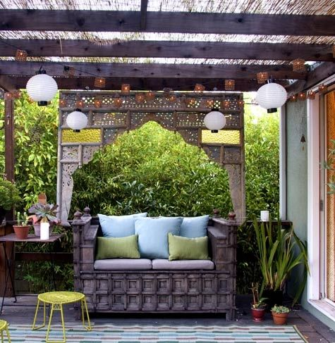 oooh, lanterns in the patio...