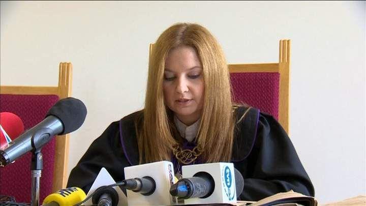 """Sąd w Środzie Śląskiej zdecydował, że 5-letni Maciek zostanie z dziadkami. O odebranie chłopca wnioskowała kurator, według której dziecko ważące 31 kg było """"pasione""""."""
