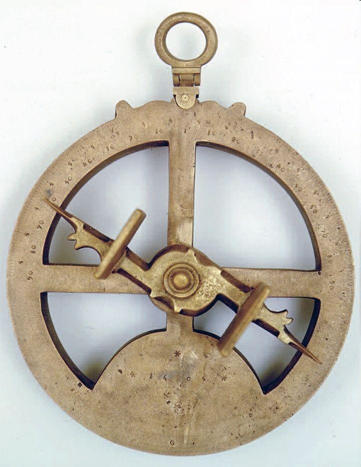 """«Astrolabio náutico português : Atocha III». 1605. Pertenceu à nau espanhola """"Nuestra Señora de Atocha"""".Museu de Marinha, Lisboa, MM.06356"""