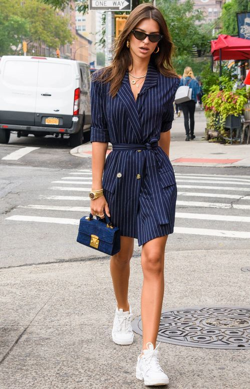 Emily Ratajkowski fand den perfekten Back-to-School-Look Mode  –  #BacktoSchoolLook #den #Emily #fand #Mode