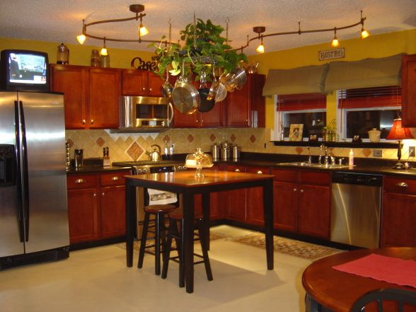 Bistro look for kitchen cafe style kitchen here is my for Cafe style kitchen ideas