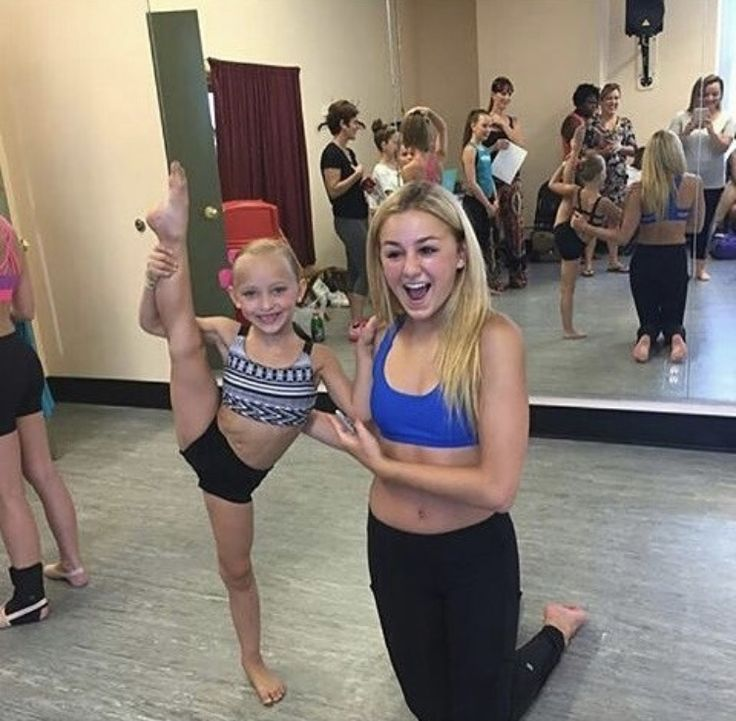Lilly And Chloe Dancemommers Dance Moms Dancers