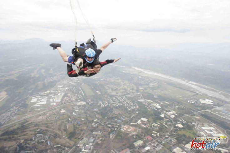 Tandem-skydiving.jpg 4,592×3,056 pixels