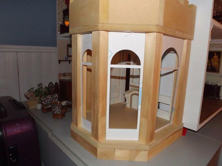 Late Victorian English Manor Dollhouse: 1/12 Miniature