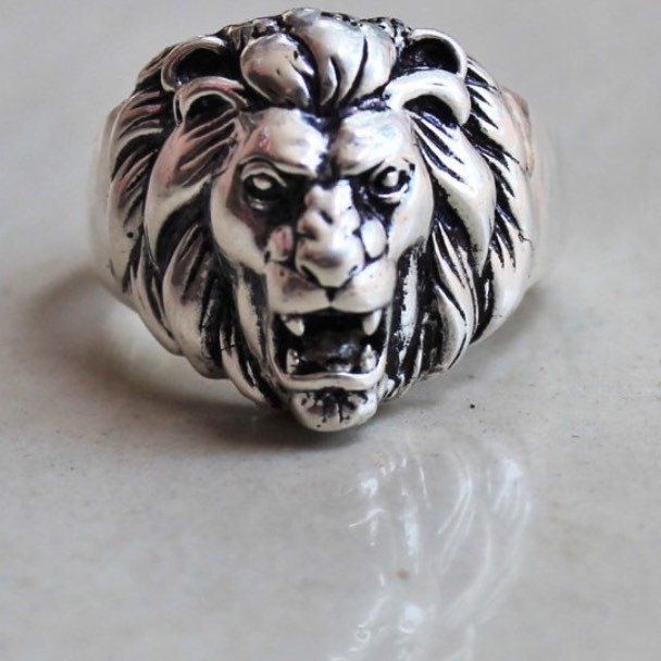 Our best-seller, classic Silver Lion Ring