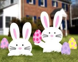 3 uses for 2 Bunnies from www.theSeasonalHome.com.  This is use #2 - outdoor yard decoration for Easter.